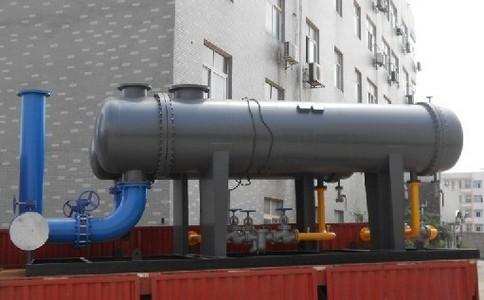 管壳换热器内进行换热的两种流体
